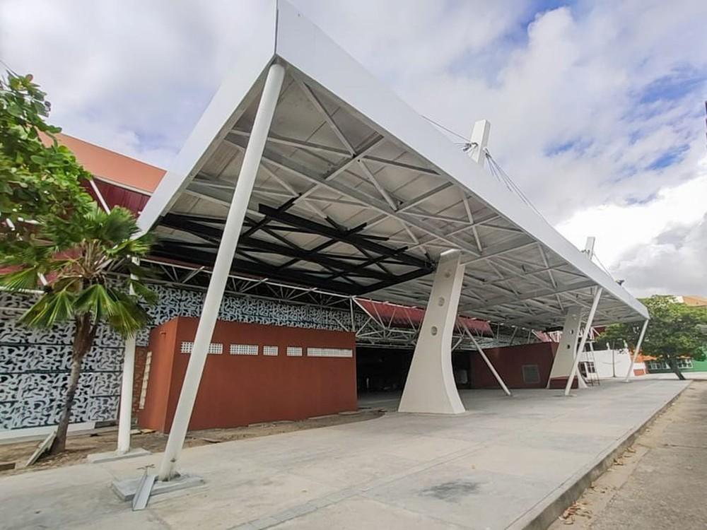 Fachada do Centro de Convenções de Sergipe